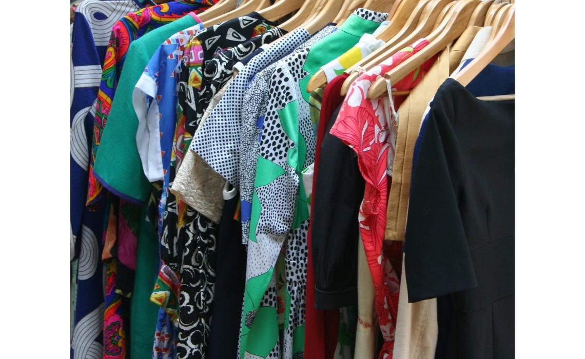 Psichologija besislepianti drabužiuose: kaip mada verčia mus jaustis